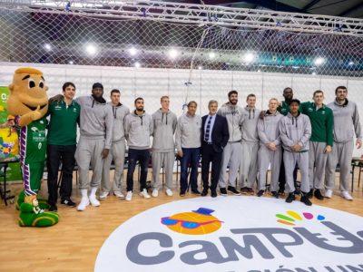 Foto equipo de Unicaja baloncesto en Mima